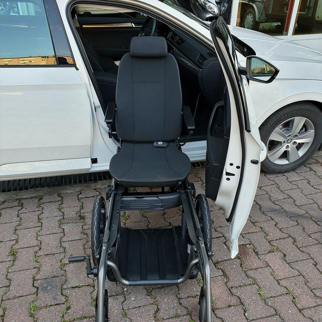 Hnc Tekerlekli Sandalyeye Dönüşen Araç Koltukları (2)