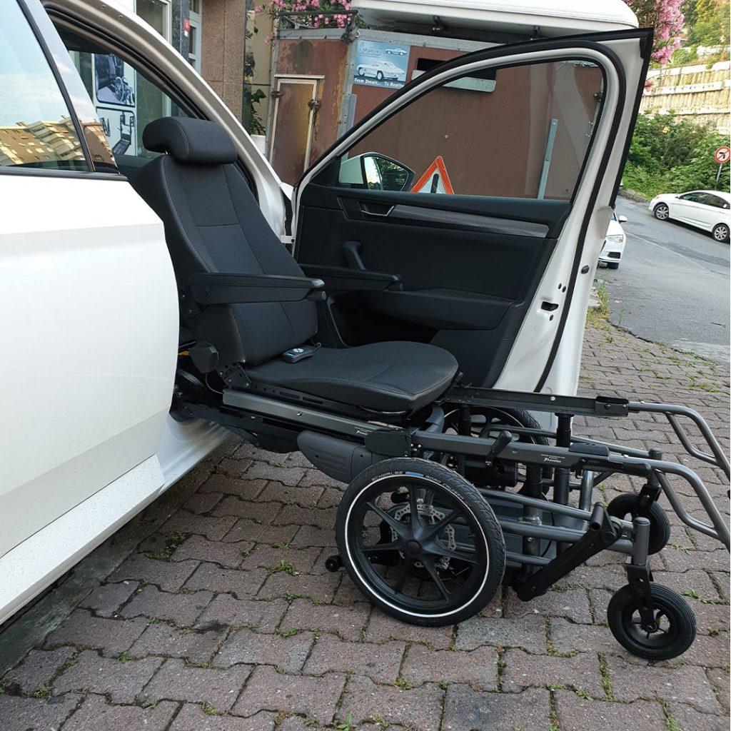 Hnc Tekerlekli Sandalyeye Dönüşen Araç Koltukları (3)
